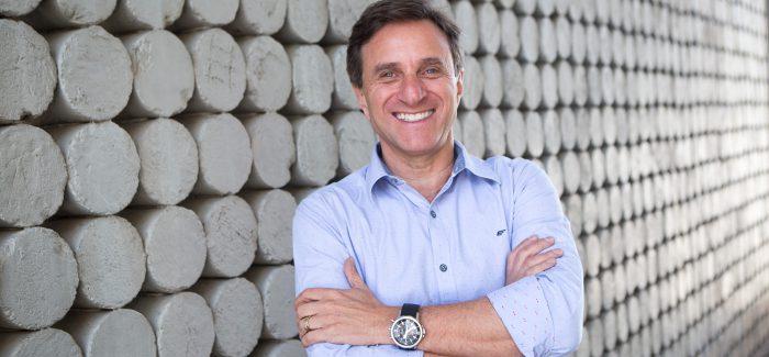 Problemas educacionais limitam inovação, diz presidente da Positivo