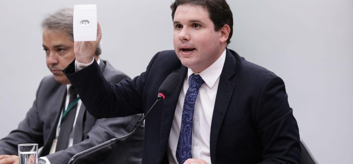 Aliado de Cunha vai comandar comissão sobre privatização da Eletrobras