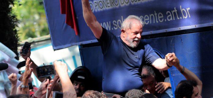 Prisão de Lula ganha destaque em jornais internacionais