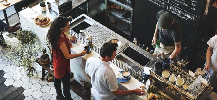 Setor de serviços sobe 0,8% em julho, mostra IBGE