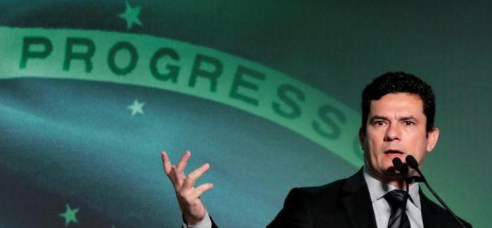 Conversas vazadas mostram que Moro ordenou busca e apreensão sem pedido do MP