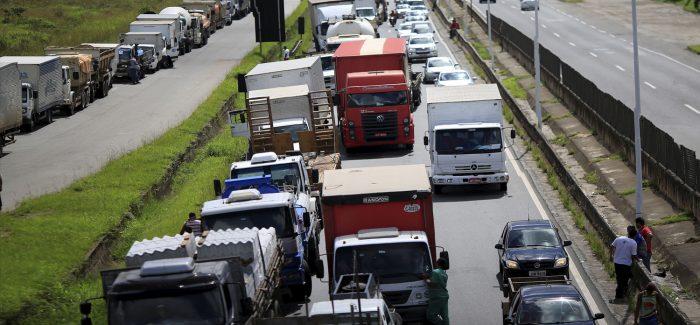 Saldo da semana: caos no país e inoperância no Palácio do Planalto