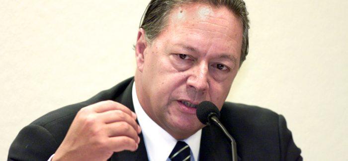 Alvaro Dias busca Pedro Malan para ser seu conselheiro