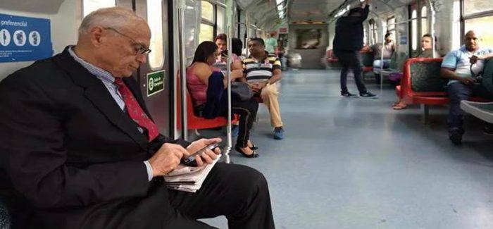 A solidão de Suplicy no metrô