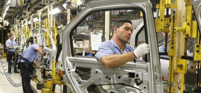 Produção de veículos tem leve alta em agosto, indica Anfavea