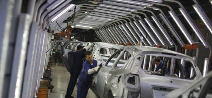 PIB cai 0,2% no trimestre, primeira queda desde 2016