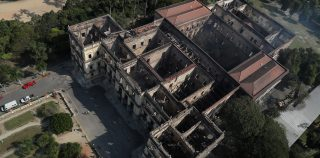Por que o Museu Nacional só conseguiu 0,03% das doações de Notre-Dame?