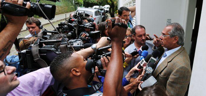 Equipe de Bolsonaro confirma fusão de ministérios