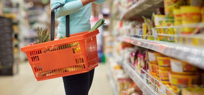 Otimismo com o futuro puxa confiança do consumidor para cima