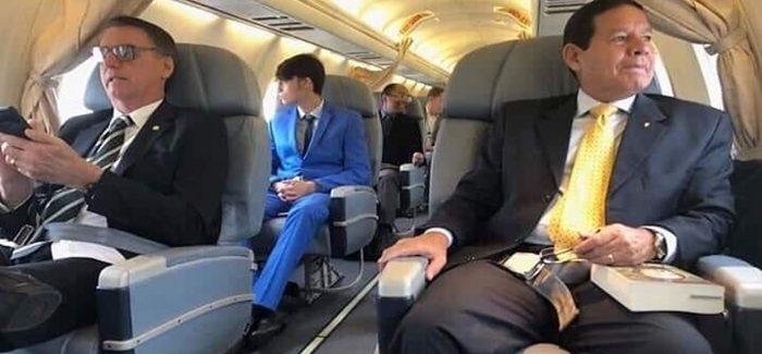 Após foto polêmica, Mourão e Bolsonaro não viajarão juntos