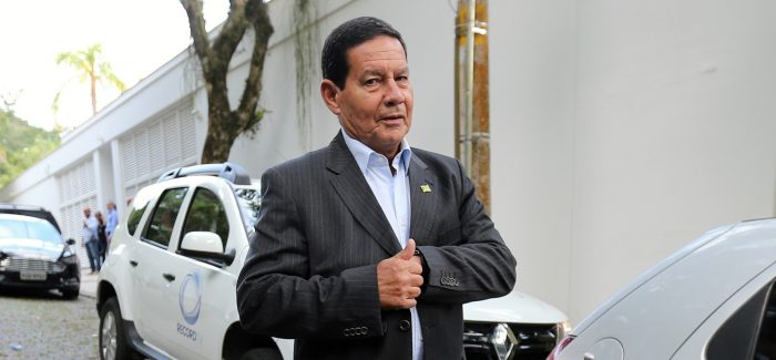 Mourão critica Reforma da Previdência de Armínio Fraga