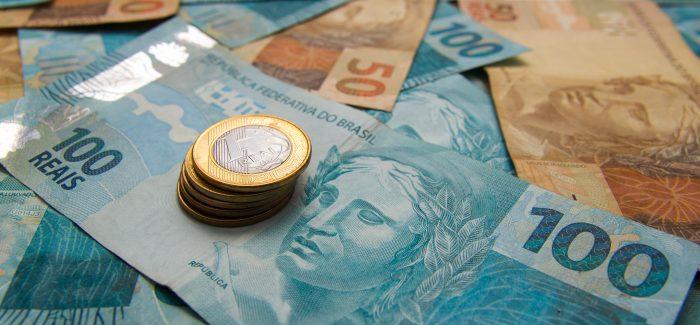 Inflação acelera em fevereiro