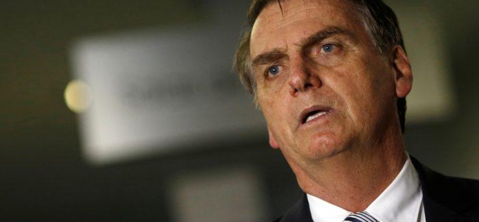 Boletim médico de Bolsonaro indica quadro de pneumonia