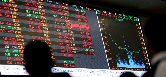 Ibovespa segue em viés de alta e supera os 93 mil pontos; dólar cai