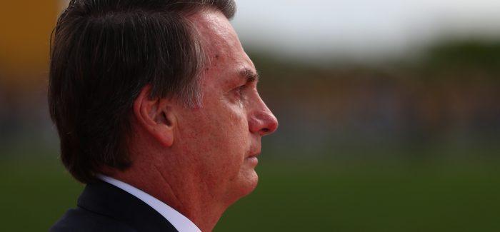 Homens se aposentam aos  62 e mulheres, aos 57, diz Bolsonaro