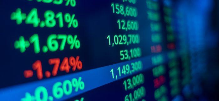 Ibovespa opera em queda no início da semana; dólar sobe