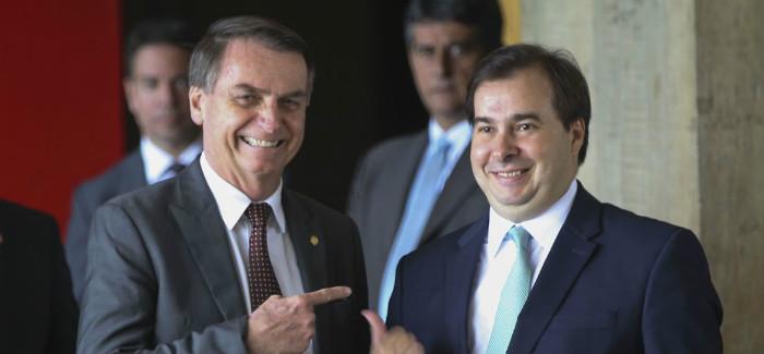 """Maia quer """"afinar diálogo"""" com Bolsonaro, Toffoli e Alcolumbre"""