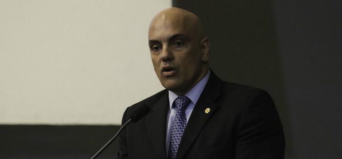 Alexandre de Moraes mantém inquérito sobre ofensas contra o STF