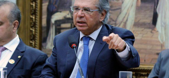 Paulo Guedes rebate críticas à Previdência na CCJ