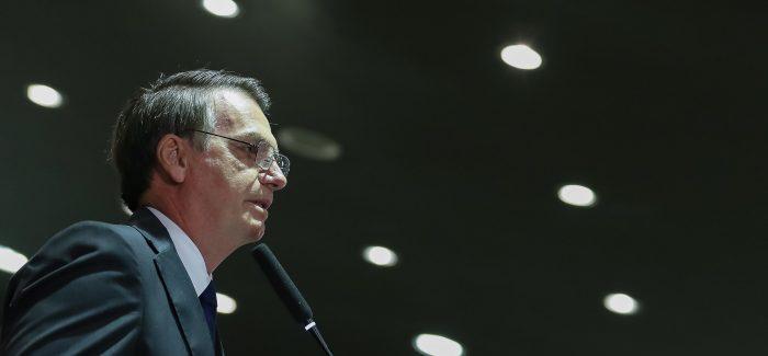 """""""Brasil não vai negociar com Maduro"""", diz Bolsonaro"""