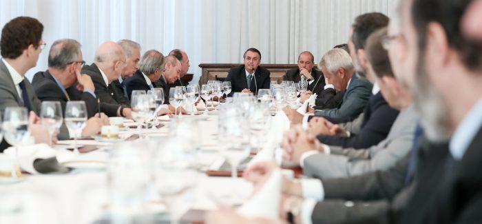 Bolsonaro não vai a protesto e pede para ministros não participarem