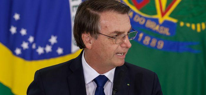Bolsonaro apresenta projeto de mudanças na CNH