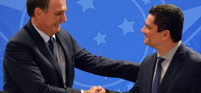 Bolsonaro elogia Moro antes de ida de ministro ao Senado