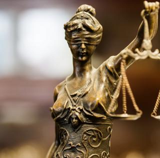 Justiça suspende campanha do governo pelo fim do isolamento social
