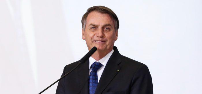 Bolsonaro tem boa evolução após cirurgia, diz boletim médico
