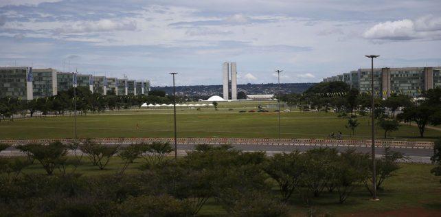 Ajuda aos estados e municípios é subestimada por Brasília, diz analista