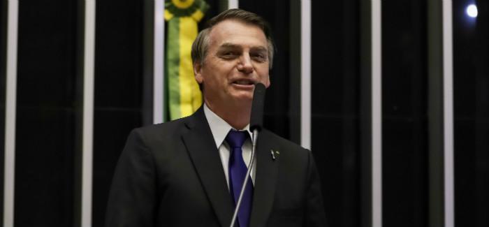 Bolsonaro comemora aprovação de texto-base da reforma