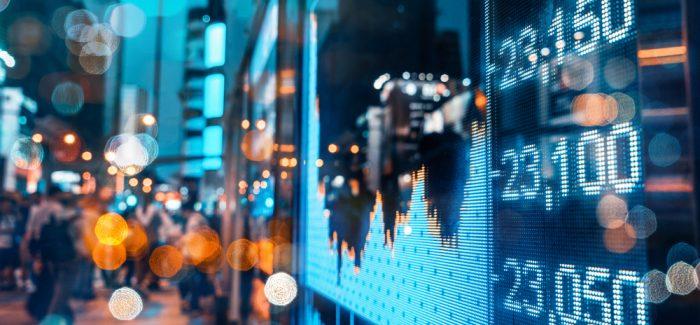 Ibovespa cai mesmo após anúncio sobre privatizações; dólar sobe