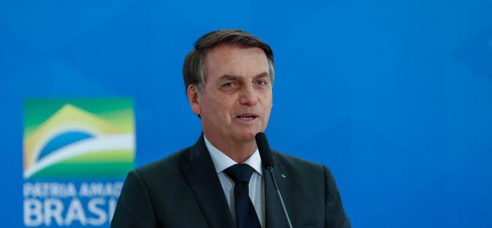 Bolsonaro diz temer fuga de argentinos para o Brasil