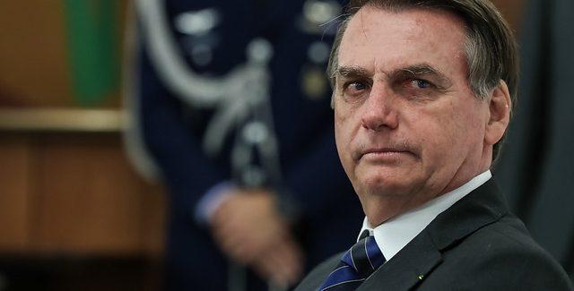 """Bolsonaro rebate críticas de Macron: """"mentalidade colonialista"""""""
