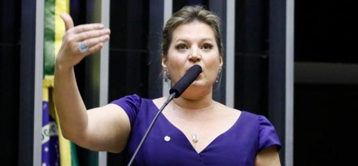 Bolsonaro tira Joice Hasselmann da liderança do Congresso