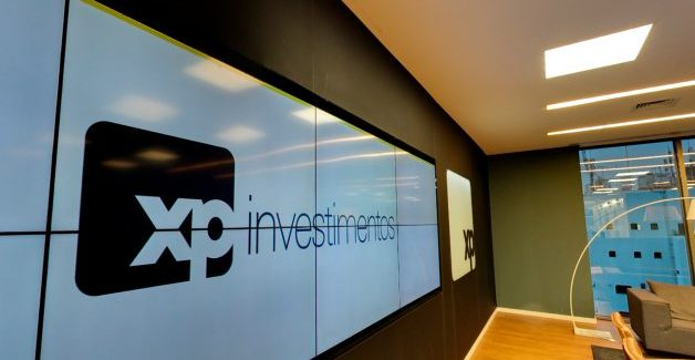 XP Investimentos é multada por ter operado contra clientes