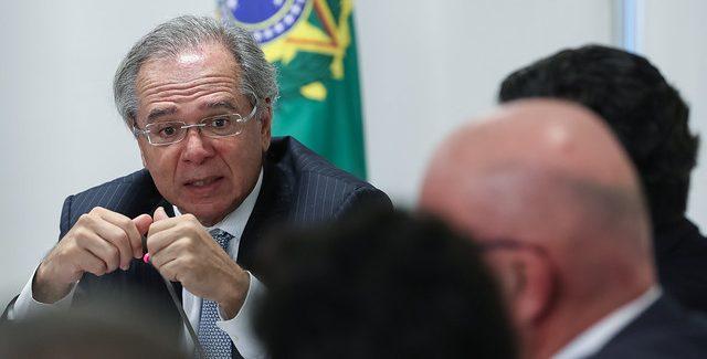 Guedes critica burocracias que atrasam as privatizações