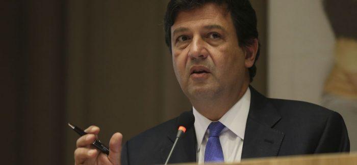 Coronavírus: Ministro da Saúde fala em conter alarmismo