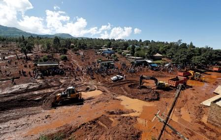 Rompimento de represa de plantação de rosas do Quênia deixa 47 mortos