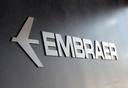 Justiça de SP impede venda de área comercial da Embraer para Boeing