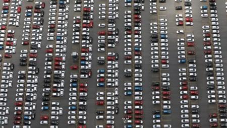 Vendas de veículos novos no Brasil vão superar projeção de alta de 12% em 2018, diz Anfavea