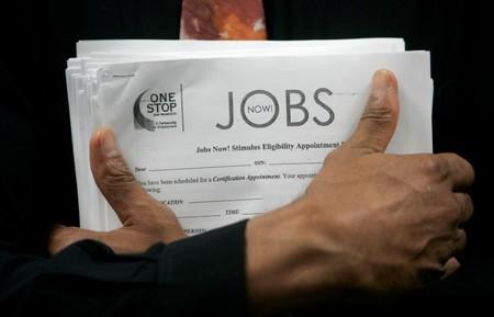 Criação de vagas de trabalho nos EUA desacelera em setembro; taxa de desemprego cai para 3,7%