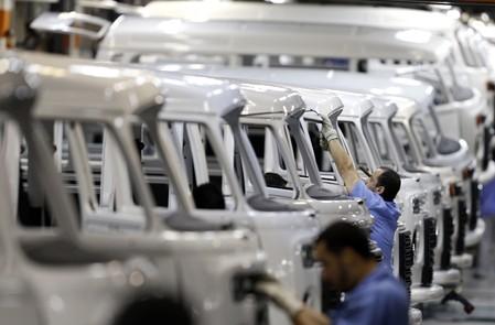 Produção industrial no Brasil sobe e interrompe 4 meses de queda, mas tem pior novembro em 3 anos