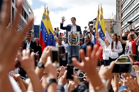 """UE diz que protestos venezuelanos """"não podem ser ignorados"""" e pede pela segurança de Guaidó"""