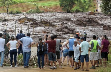 Sobe para 58 o número de mortos em rompimento de barragem
