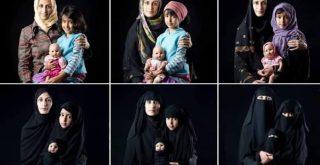 mulher e filha com roupas ocidentais